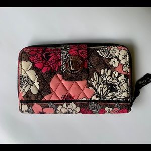 Vera Bradley wallet like new